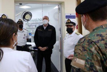 Ministro Prokurica visitó instalaciones de Hospital Naval revestidas con pintura a base de cobre