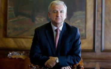 Presidente Piñera designa a exministro Felipe Larraín como director de Codelco